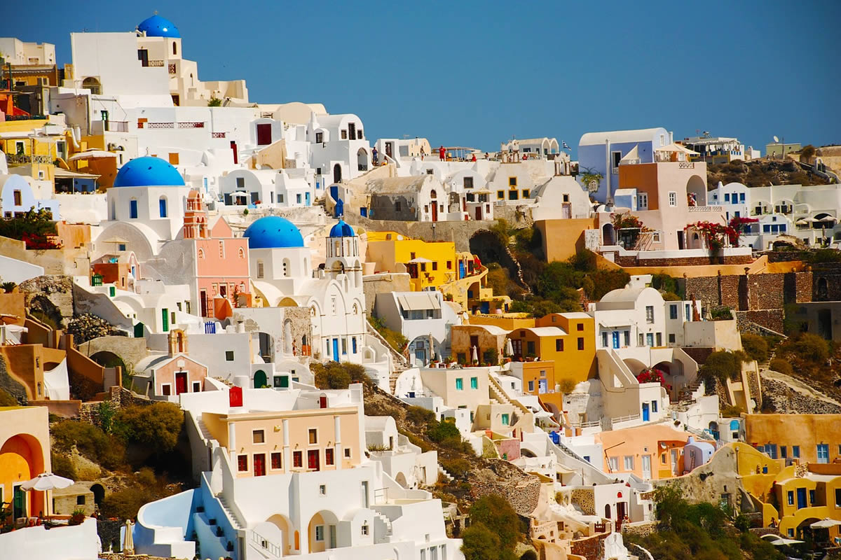 Tailor made private tours in Santorini