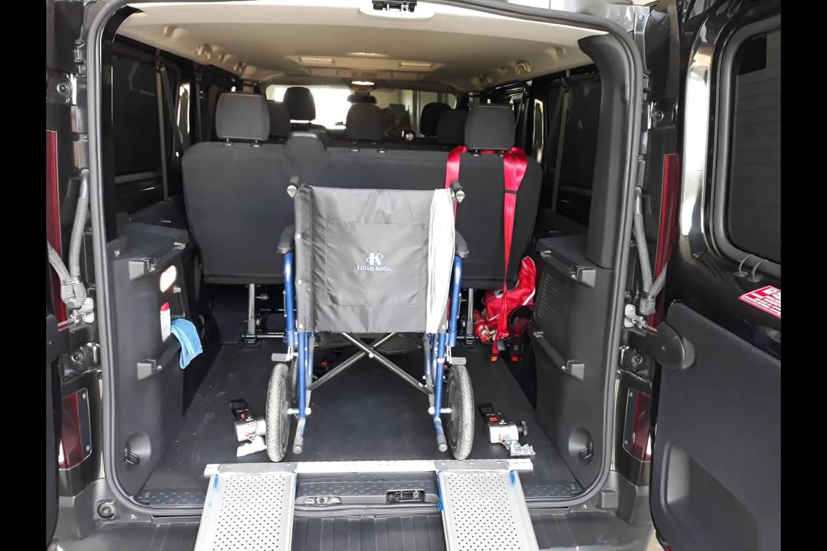 Accessible Santorini Private Tour